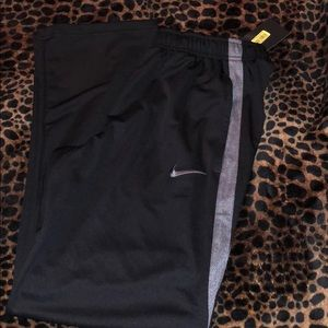 Men's Nike pants🌴❤️🌴❤️🌴❤️🌴